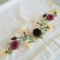 The Art of Silk Ribbon Embroidery - Embroidery Design Guide Silk Ribbon Embroidery, Embroidery Applique, Cross Stitch Embroidery, Embroidery Patterns, Ribbon Art, Diy Ribbon, Lace Beadwork, Crochet Flower Tutorial, Brazilian Embroidery