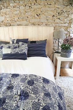 chemin de lit et coussins Textiles, Comforters, Couture, Blanket, Bed, Furniture, Home Decor, Cushions, Home