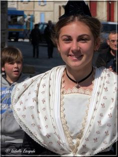 La Belle du Printemps... http://mistoulinetmistouline.eklablog.com http://www.my-art.com/isabelle-escapade/collections/provence https://www.facebook.com/pages/Mistoulin-et-Mistouline-en-Provence/384825751531072