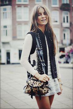 Street style. Love the leopard cross body bag.