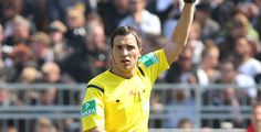 Student als Bundesliga-Schiedsrichter - Ein BWL-Student aus Bamberg pfeift ab sofort in der Fußball-Bundesliga. Der 26-jährige Benjamin Brand leitet in dieser Saison Matches der höchsten deutschen Spielklasse.