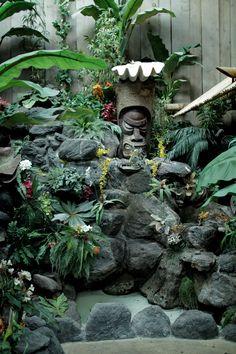 Don The Beachcomber – Tiki California - Modern Tropical Pool, Tropical Garden, Tiki Art, Tiki Tiki, Tiki Hawaii, Tiki Statues, Tiki Bar Decor, Tiki Lounge, Vintage Tiki