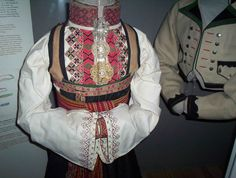Folk Costume, Costumes, Bridal Crown, Traditional Outfits, Vintage Photos, Norway, Bridal Dresses, Culture, Clothes