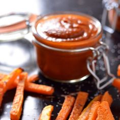 Homemade Curry Ketchup - great with sweet potato fries Homemade Curry, Homemade Spices, Curry Ketchup Recipe, Best Curry, Curry Spices, South African Recipes, English Food, Vegan, Delish