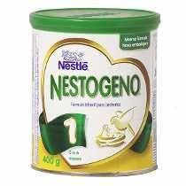 A Fórmula do Leite Infantil Nestogeno, é composta por uma grande quantidade proteica de caseína, além de óleos vegetais, maltodextrina enriquecida com grandes quantidades de vitaminas, minerais e ferro junto com outro oligoelementos essenciais para a saúde de seu filho.