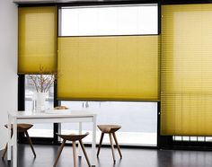 Faber plisségardin model 117. Sæt gardinet frit i vinduet. Til bredde vinduer. Modellen snor betjenes med en betjening i hver side. www.webgardiner.dk