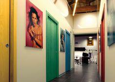 Pop of colour! ECLISSE Unico with wooden door panels