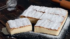 Kremšnita - Krempita - Cremeschnitte - Vanilla Custard Cake - No matter how is called it is definitely a dessert you need to try at least once in a lifetime. Vanilla Pudding Cake, Vanilla Custard, Magic Custard Cake, Custard Filling, Cake Recipes, Dessert Recipes, Sweet Treats, Yummy Treats, Biscuits