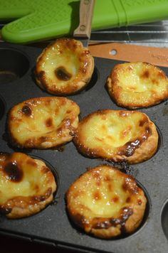 Small Batch Macau Style Portuguese Egg Tart -You can find Portuguese and more on our website. Portuguese Egg Tart, Portuguese Desserts, Portuguese Recipes, Tart Recipes, Sweet Recipes, Dessert Recipes, Cooking Recipes, Appetizer Recipes, Chinese Egg Tart
