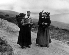 Old Photograph Crofters Knitting And Carrying Peat, Isle Of Lewis, Scotland