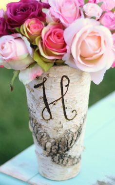 this is gorgeous - what a unique way to personalize a table