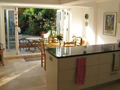 The London Kitchen Extension Co. - Photos from Recent Projects . Kitchen Dining Living, Kitchen Family Rooms, New Kitchen, Kitchen Decor, Kitchen Ideas, House Extensions, Kitchen Extensions, Orangery Extension, Kitchen Diner Extension