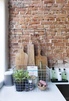 decordemon: A house built in 1915 in Delft, Netherlands Loft Kitchen, Kitchen Interior, Interior And Exterior, Kitchen Brick, Kitchen Layout, Decoration Inspiration, Interior Design Inspiration, Beautiful Kitchens, Cool Kitchens