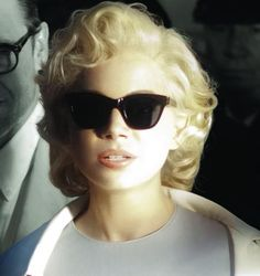 Michelle Williams......If you like authentic Ray ban and Oakley Sunglasses,please visit http://www.ing-gni.com