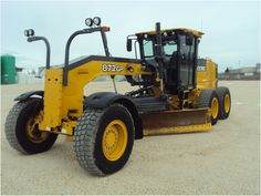 We have a great selection of Motor Graders! You can view them all at: http://www.rockanddirt.com/equipment-for-sale/motor-graders #RockandDirt #HeavyEquipment #MotorGraders