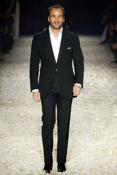 http://www.style.com/slideshows/fashion-shows/fall-2015-ready-to-wear/tom-ford/collection/40