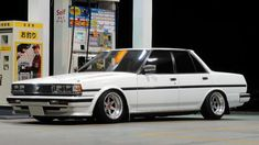 Toyota Cressida, things look better lower.