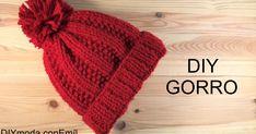 Crochet Basics: The Magic Knot - Crochet Decoration Crochet Hooded Scarf, Crochet Cap, Crochet Shirt, Crochet Stitches, Crochet Clutch, Knitting Designs, Knitting Patterns, Crochet Patterns, Cable Knit Hat