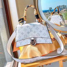 Luxury Purses, Luxury Bags, Louis Vuitton Belt, Louis Vuitton Handbags, Dior Handbags, Purses And Handbags, Best Designer Bags, Replica Handbags, Designer Handbags
