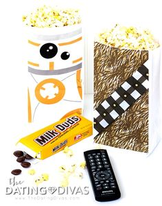 Printables & activities for an at-home Star Wars Movie Date Night! Star Wars themed popcorn bags & fun movie activities to go along with the Force Awakens! Popcorn Bags, Movie Dates, Dating Divas, Star Wars Party, Diy Party Decorations, Good Movies, Stars, Night, Printable