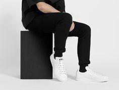 Ok, they are back: adidas x Raf Simons! Hier entdecken und shoppen: https://sturbock.me/RyY