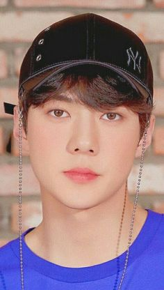 Why have I never seen this look before on him omg he looks like an actual God 🤪😍😍😍😍😍😍😍💓💓💓💓 Baekhyun, Hunhan, Exo Ot12, Boy Best Friend Pictures, Sehun Cute, Exo Group, Z Cam, Exo Chen, Kpop Exo