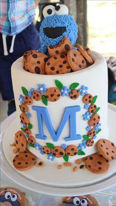 My Cookie Monster cake Makherana mutshidzi Festa Cookie Monster, Cookie Monster Cakes, Halloween 1st Birthdays, Monster 1st Birthdays, Birthday Cookies, Elmo Birthday Cake, 2nd Birthday, Birthday Ideas, Cupcakes
