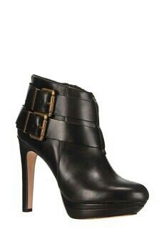 Chaussure à talons noire fermée♥♥