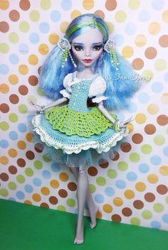 Ghoulia Repaint by Marina Gridina / SnowSpring Dolls (vk.com/snowspring.dolls)