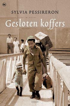 De Molukse KNIL-soldaat Itja Hatuopar voelt zich afgedankt. Volkomen onverwacht zijn hij en zijn wapenbroeders bij aankomst in Nederland ontslagen. Weggestopt in een barakkenenkamp, ergens in de Betuwe, zonder inkomsten en een verbod om te werken, merkt Itja dat de Molukkers helemaal niet welkom zijn. Verbitterd weigert hij zich neer te leggen bij de strenge leefregels. http://www.thehouseofbooks.com/boeken/romans/sylvia-pessireron/gesloten-koffers