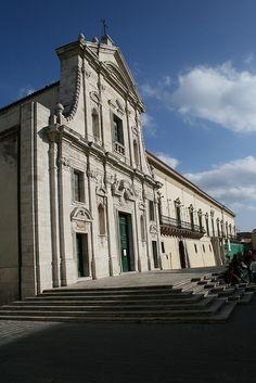 La bellissima facciata della Cattedrale di Melfi, sede vescovile di Venosa, Melfi, Rapolla