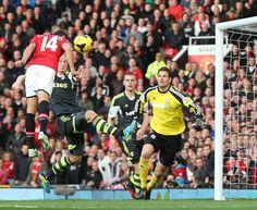 Winner goal by Hernandez against Stoke City at Old Trafford