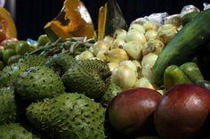 ¡Los productos agrícolas más frescos! Placita en Plaza extenderá su oferta por un término mayor de días a la semana. Entérate cuáles son en: http://www.sal.pr/2013/04/18/mas-dias-de-placita-en-plaza/
