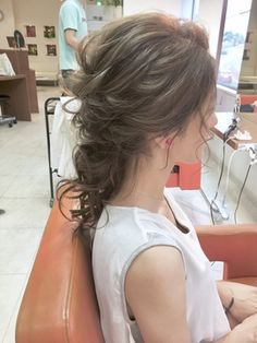 weddinghairarrange ポニーテール風♪こなれハッピーアレンジ^_^Celeste荻窪/Celeste荻窪店 【セレストオギクボテン】をご紹介。2017年夏の最新ヘアスタイルを100万点以上掲載!ミディアム、ショート、ボブなど豊富な条件でヘアスタイル・髪型・アレンジをチェック。 Party Hairstyles, Wedding Hairstyles, Cool Hairstyles, Medium Straight Haircut, I Like Your Hair, Birthday Hair, Hairdo Wedding, Hair Arrange, Hair Setting