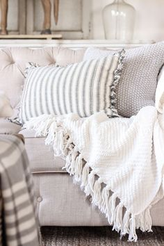My Decorating Essentials: Throw Blankets | Soft, cozy throw blankets are a farmhouse decorating essential - shop our favorites! -- See this great article #HomeDecoration