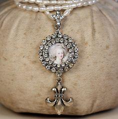 rhinestone and pearls Fleur de Lis