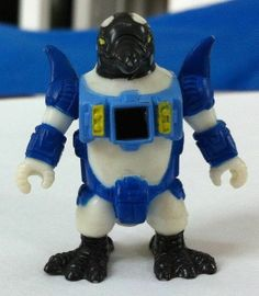 Rare Hasbro Series 3 #75 Battle Beasts Pugnacious Penguin Figure Working Rub!