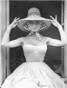 many the wonders Brigitte Bardot, Bridget Bardot, Blouse Vichy, Kendall, Magazine Couture, Vichy Rose, Kimono, Glamour, French Actress