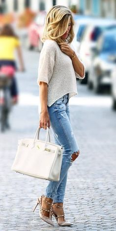how to style a pair of heels : white top + bag + ripped jeans