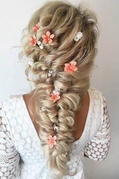 Wedding Hairstyles Half Up Half Down #weddings #hairstyles #fashion #weddingideas
