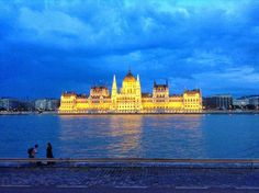 A vegan obsession: A Gluten Free and Vegan Guide To Budapest With Adv. World Youth Day, London, Travel Goals, Adventure Awaits, Prague, Vegan Gluten Free, Budapest, Things To Do, Advice