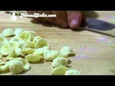Orecchiette - Bari Vecchia - YouTube Bari, Italian Recipes, Italian Foods, Pasta, Zucchini, Main Dishes, Make It Yourself, Vegetables, Ethnic Recipes