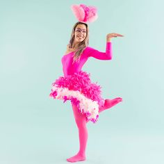 This Tutorial Will Make You Want to Be a Flamingo for Halloween - Kids costumes Halloween 2018, Flamingo Halloween Costume, Fairy Halloween Costumes, Bird Costume, Carnival Costumes, Diy Costumes, Halloween Kids, Halloween Party, Costume Ideas