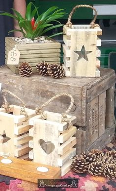 Beautiful handmade star lantern by on Etsy . - Beautiful handmade star lantern by on Etsy - Pallet Crafts, Diy Pallet Projects, Diy Crafts, Pallet Projects Christmas, Diy Palettenprojekte, Pallet Wood Christmas, Party Crafts, Wooden Crafts, Diy Wood Projects