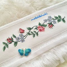 1 million+ Stunning Free Images to Use Anywhere Beaded Cross Stitch, Cross Stitch Embroidery, Cross Stitch Patterns, Free To Use Images, Baby Girl Dresses, Diy Fashion, Diy And Crafts, Coin Purse, Fabric
