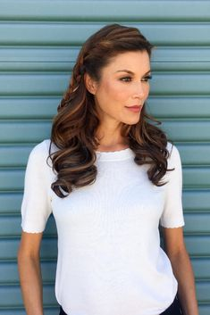 This clip in topper, worn over the part, adds volume to long styles with beautiful remy human hair. The design is hand tied using French knotting, a superior knotting technique that creates the most natural appearance possible. Remy Human Hair, Human Hair Wigs, Boar Bristle Brush, Advanced Hair, Jon Renau, Hair System, Hair Toppers, Hair Again, Alternative Hair