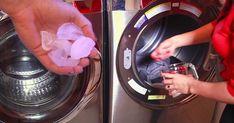 PLANCHAR7DESARRUGAR ROPA EN LA SECADORA. Poner la prenda o prendas en la secadora junto con 2-3 cubitos de hielo. Poner la secadora a temperatura alta durante 5 minutos y el vapor habrá mejorado el aspecto de la prenda. No funciona con tejidos pesados o si se pone mucha ropa a la vez.