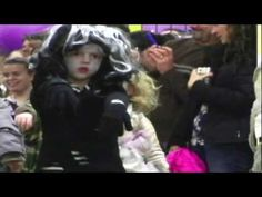 pre-school kids dancing to Thriller... too cute!!