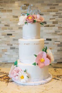 Gâteau de mariage avec fleurs comestible en wafer / Wedding cake made with wafer flowers