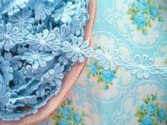 Pale Blue Daisy Chain Venice Lace Trim